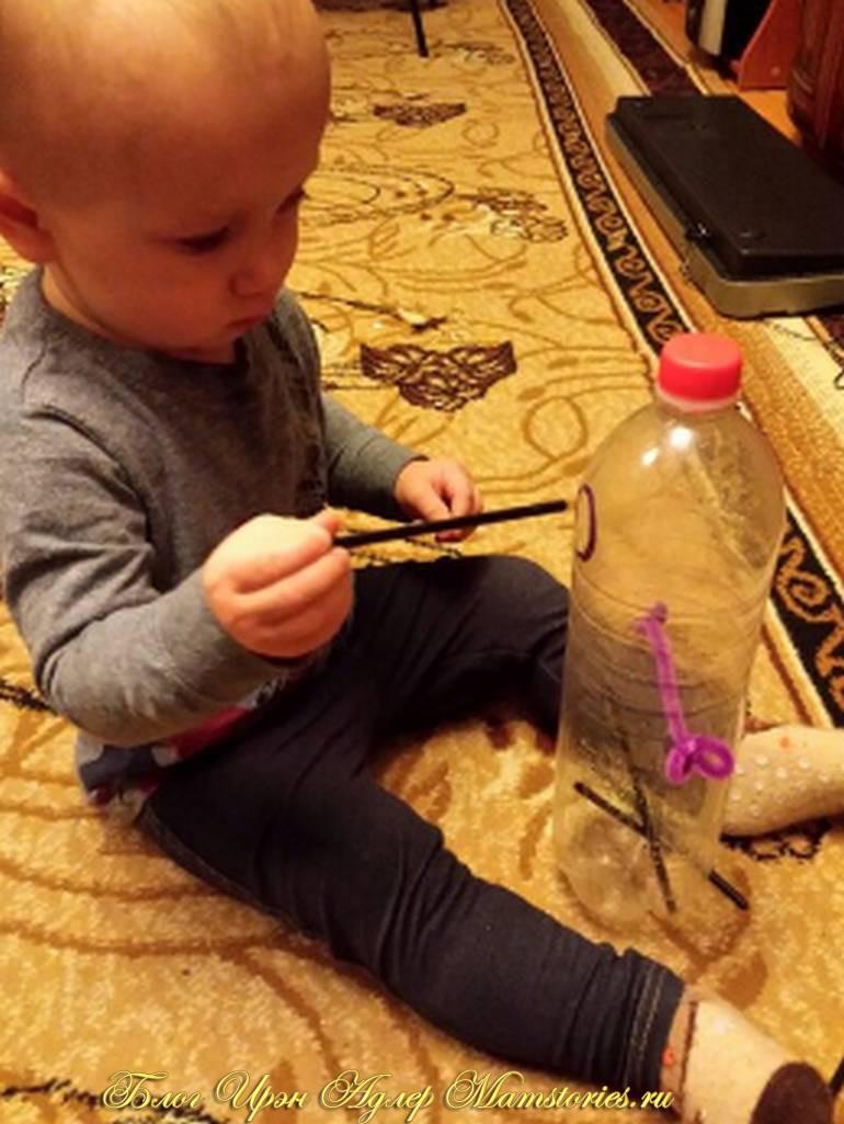 Полезные игрушки для ребенка до года